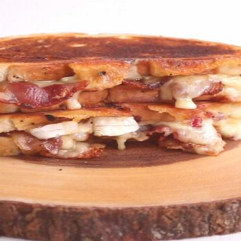 Cranberry Bacon Brie Grilled Cheese -  Cranberry Bacon Brie Grilled Cheese – The perfect combinat