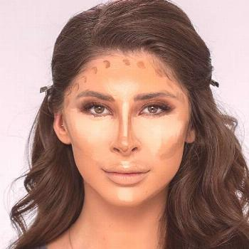 Easy Contouring Makeup Idea  Knowing how to contour your face is key to flawless makeup! Game-chang