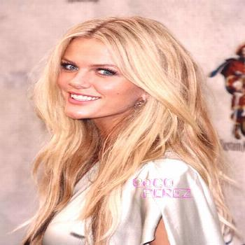 Esquire readers and sexy lady fanatics have spoken and voted model Brooklyn Decker as the Sexiest W